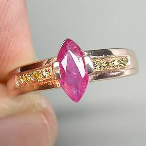 Anel de Ouro 14k Plated (Prata 925) com Rubi e 08 Diamantes Naturais