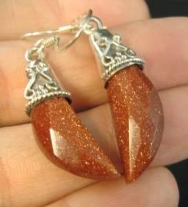 brincos de prata 925 com pedra do sol natural e detalhes na prata