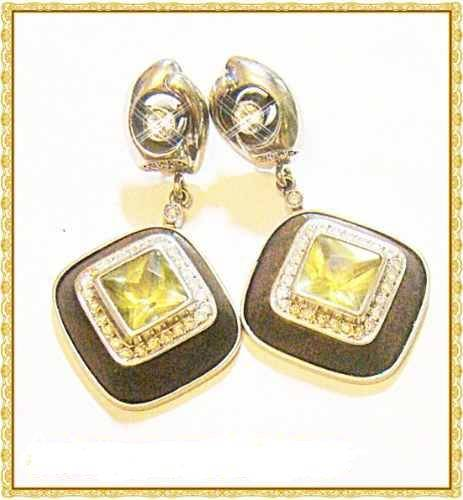 Brinco de Ouro Branco 18k com 62 Diamantes VVS1-G DE 2 pontos e 2 Diamantes VVS1-D de 15 pontos cada naturais