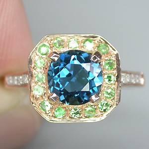 Anel de Ouro Rose e Branco 14 k Plated (Prata 925) com Topázio London Blue, Granadas Tsavoritas e 08 Diamantes Naturais