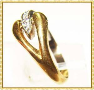 Anel em Ouro 18k (750) Amarelo e Branco com 5 Diamantes