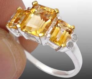 Anel de Prata 925 com Citrinos Top e 04 Diamantes Naturais
