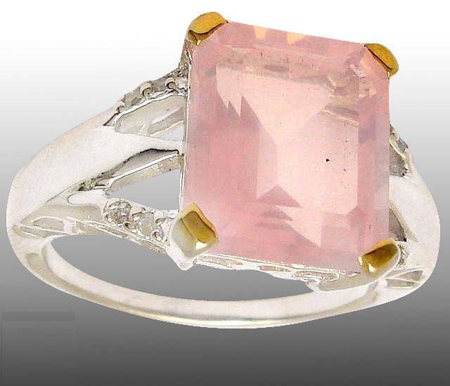 Anel de Prata 925 com Quartzo Rosa Top e 08 Diamantes Naturais