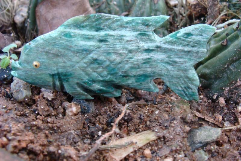 Peixe Esculpido em Sodalita com 203,5 Cts