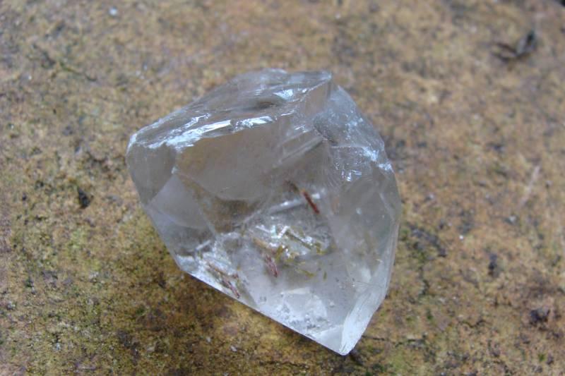 Quartzo de Cristal Rutilado Bruto com 217,0 Cts