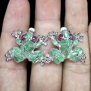 Brinco de Prata 925 em Formato de Sapinho com Esmeraldas e Rubis Naturais