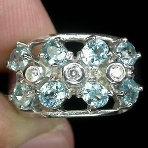 Anel Floral de Prata 925 com Zircônias Naturais e Zircônias Cúbicas Lapidação Diamante
