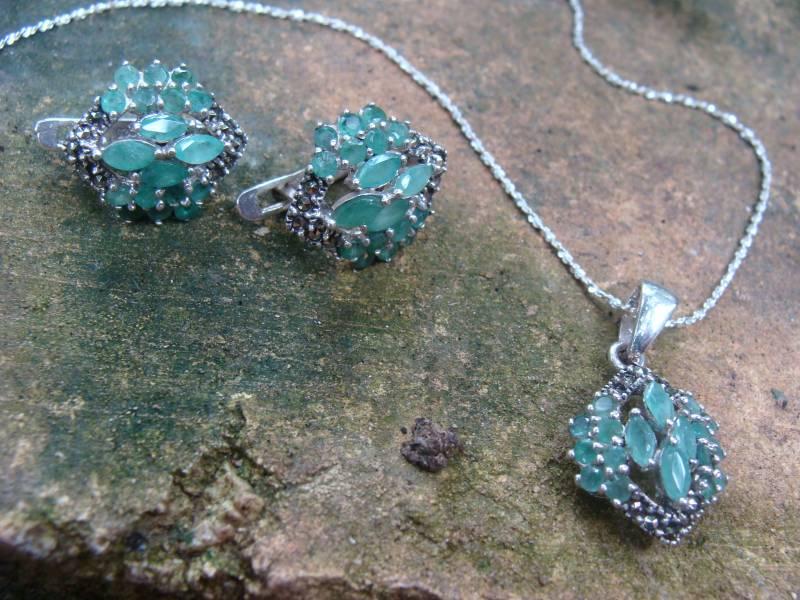 Conjunto de Prata 925 Colar, Brincos e Anel com Esmeraldas e Marcassitas