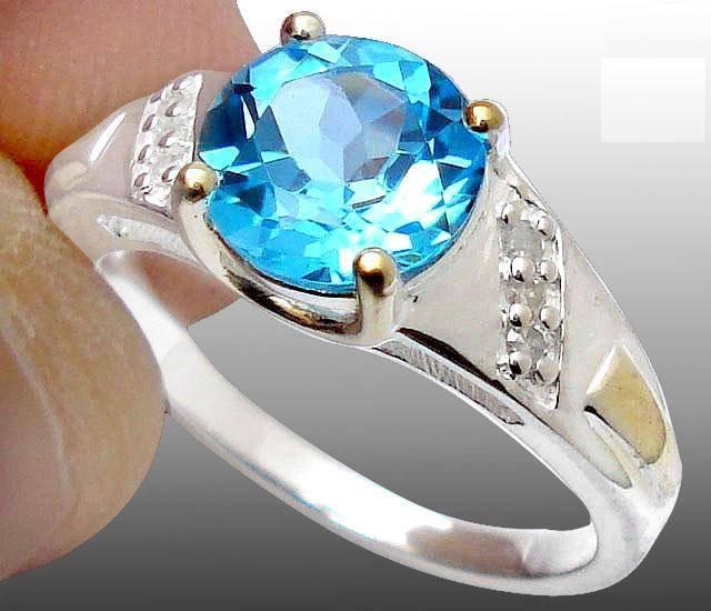 Anel de Prata com Topazio e Diamantes Naturais