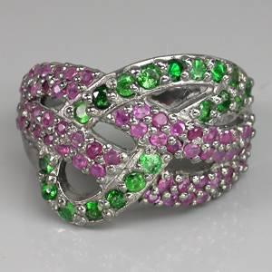 Anel de Prata 925 com 80 Gemas de Granadas Tsavoritas e Rubis Rosa Naturais Lapidação Diamante e com Aplicação de Ródio Negro