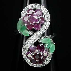 anel de prata com pedra vermelha