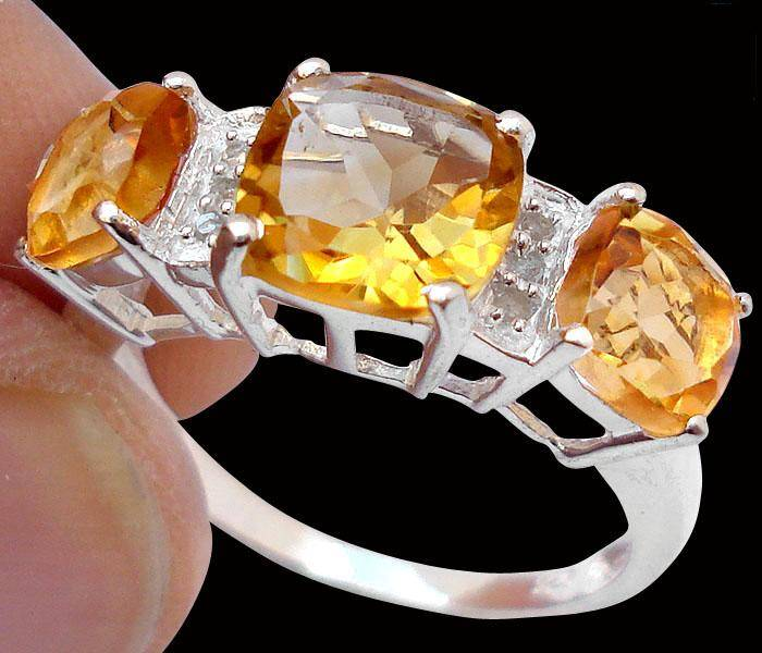 Anel de Prata 925 com Citrinos Top e 0,8 Cts de Diamantes Naturais
