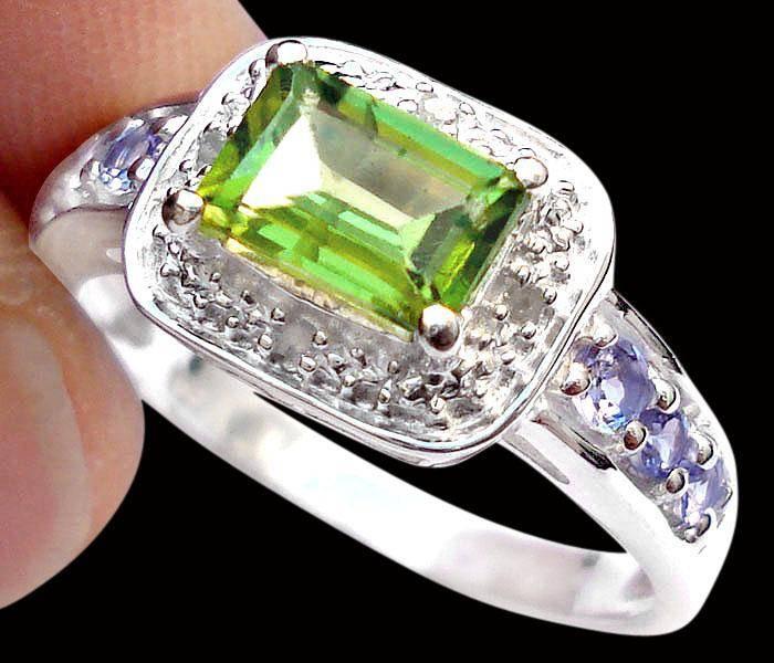 Anel de Prata com Peridoto Tanzanitas e Diamantes Naturais
