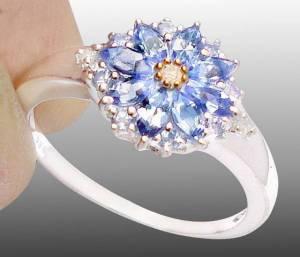 Anel de Prata com Tanzanitas e Diamantes Naturais